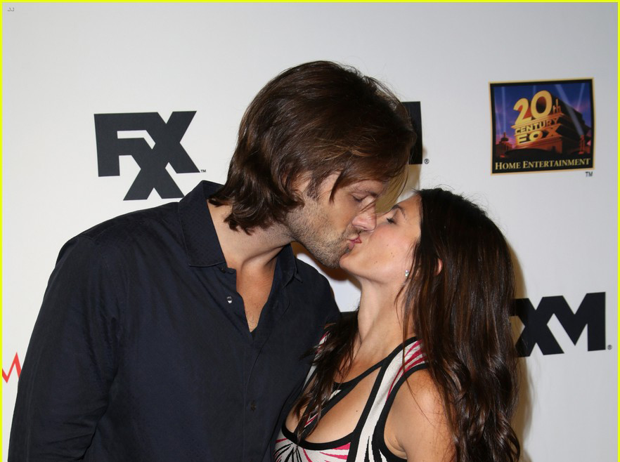 Jared and Gen at SDCC 2013 - Red Carpet arrival 07/19/2013 HQ Version